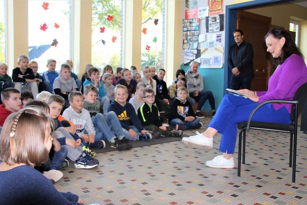Bundesweiter Vorlesetag: Wymeerster Kinder fliegen mit den Olchis zum Mond